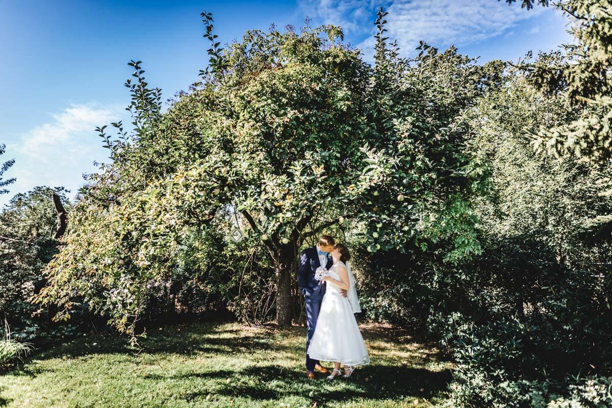 Fotograf aus Bernau für Hochzeit beim Paarshooting in Strausberg